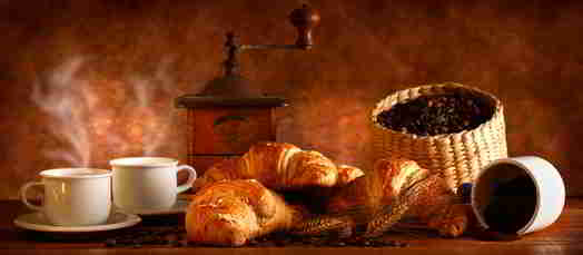 Croissant, viele Kalorien unter krossen Krümeln