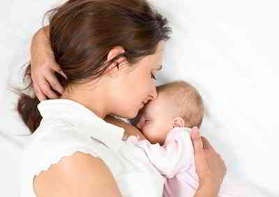 Beikost-ist-bei-jungen-Muttern
